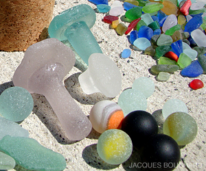 Finding Sea Glass - Photo 01