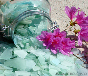 Finding Sea Glass - Photo 02